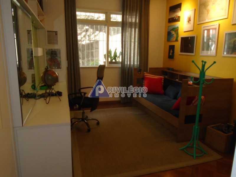DSC08090 - Botafogo - Espetacular apartamento com vista Baía de Guanabara, totalmente reformado por Arquiteto, 4 quartos com 2 vagas de garagem. - LOAP40001 - 10