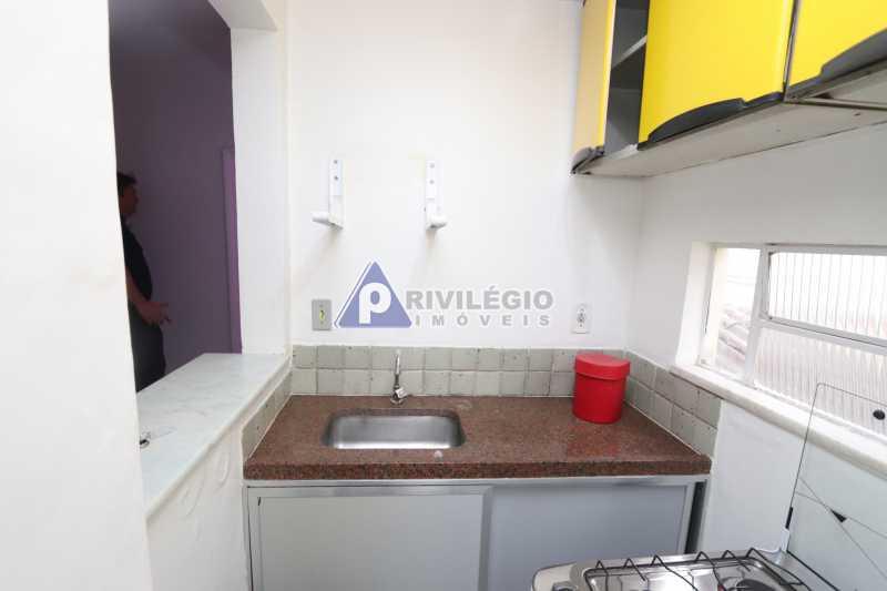 Cobertura - Botafogo - Botafogo! Sala quarto, cozinha americana, vista livre, sol matinal, condomínio barato. - HMAP10029 - 21