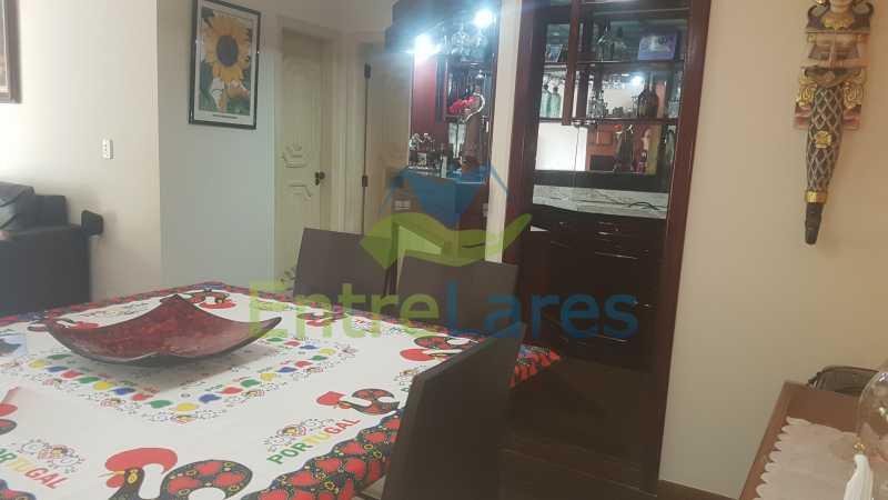 03 - Apartamento na Ribeira 4 quartos sendo 2 suítes com closet, varanda, copa, cozinha planejada, dependência completa com armário. 2 vagas de garagem. Prédio com piscina. Rua Paramopama. - ILAP40046 - 5