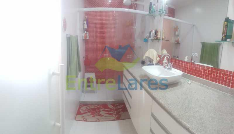 10 - Apartamento na Ribeira 4 quartos sendo 2 suítes com closet, varanda, copa, cozinha planejada, dependência completa com armário. 2 vagas de garagem. Prédio com piscina. Rua Paramopama. - ILAP40046 - 11