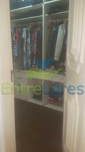 14 - Apartamento na Ribeira 4 quartos sendo 2 suítes com closet, varanda, copa, cozinha planejada, dependência completa com armário. 2 vagas de garagem. Prédio com piscina. Rua Paramopama. - ILAP40046 - 16
