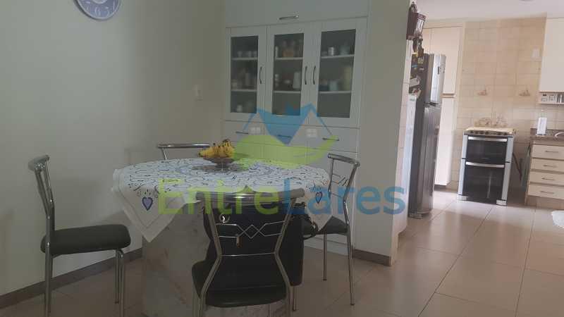 22 - Apartamento na Ribeira 4 quartos sendo 2 suítes com closet, varanda, copa, cozinha planejada, dependência completa com armário. 2 vagas de garagem. Prédio com piscina. Rua Paramopama. - ILAP40046 - 23