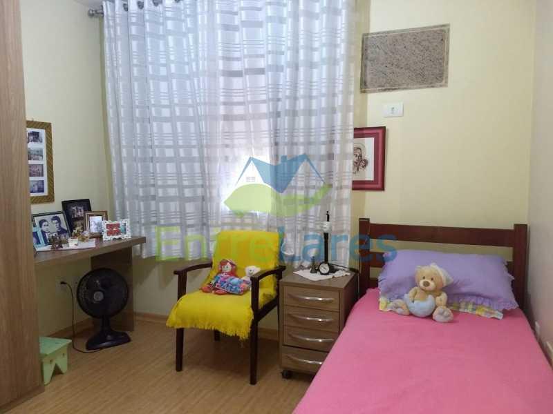21. - Apartamento na Freguesia 3 quartos sendo 1 suíte, varanda, dependência completa, 2 vagas de garagem. Praia da Guanabara. - ILAP30243 - 20