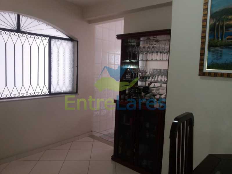 11 - Casa Duplex na Portuguesa 3 quartos sendo 1 suíte, varanda, cozinha planejada, piscina, cisterna, 4 vagas de garagem. - ILCA30107 - 8