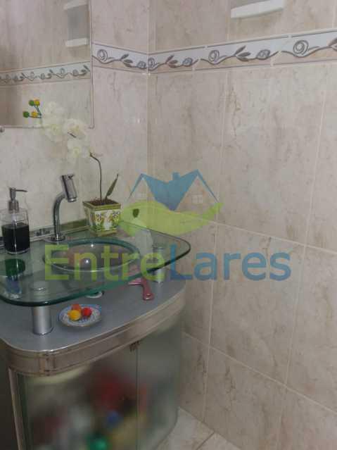 12 - Casa Duplex na Portuguesa 3 quartos sendo 1 suíte, varanda, cozinha planejada, piscina, cisterna, 4 vagas de garagem. - ILCA30107 - 14
