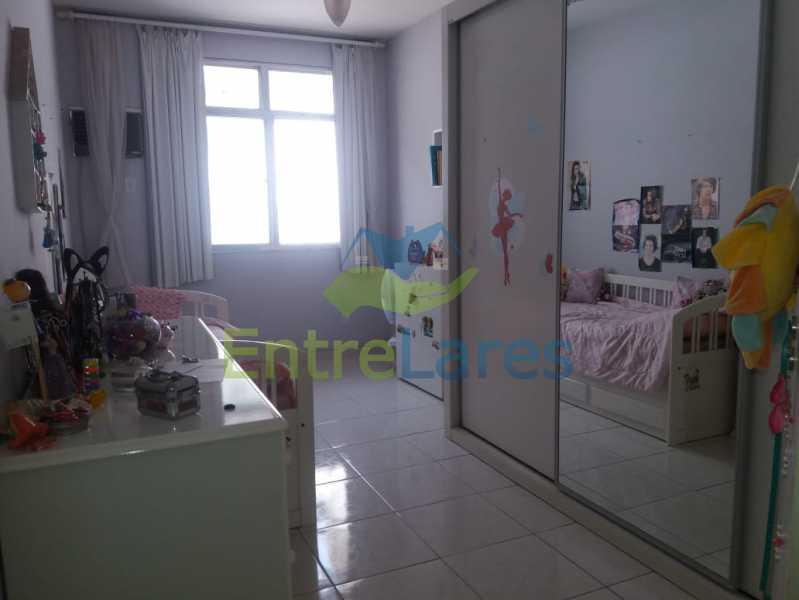 20 - Casa Duplex na Portuguesa 3 quartos sendo 1 suíte, varanda, cozinha planejada, piscina, cisterna, 4 vagas de garagem. - ILCA30107 - 19