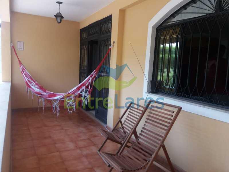 26 - Casa Duplex na Portuguesa 3 quartos sendo 1 suíte, varanda, cozinha planejada, piscina, cisterna, 4 vagas de garagem. - ILCA30107 - 24