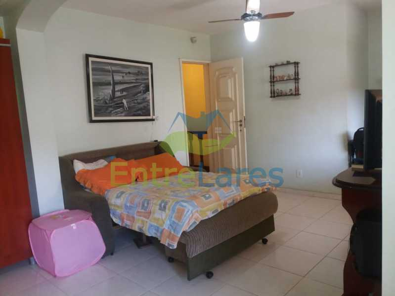 27 - Casa Duplex na Portuguesa 3 quartos sendo 1 suíte, varanda, cozinha planejada, piscina, cisterna, 4 vagas de garagem. - ILCA30107 - 13
