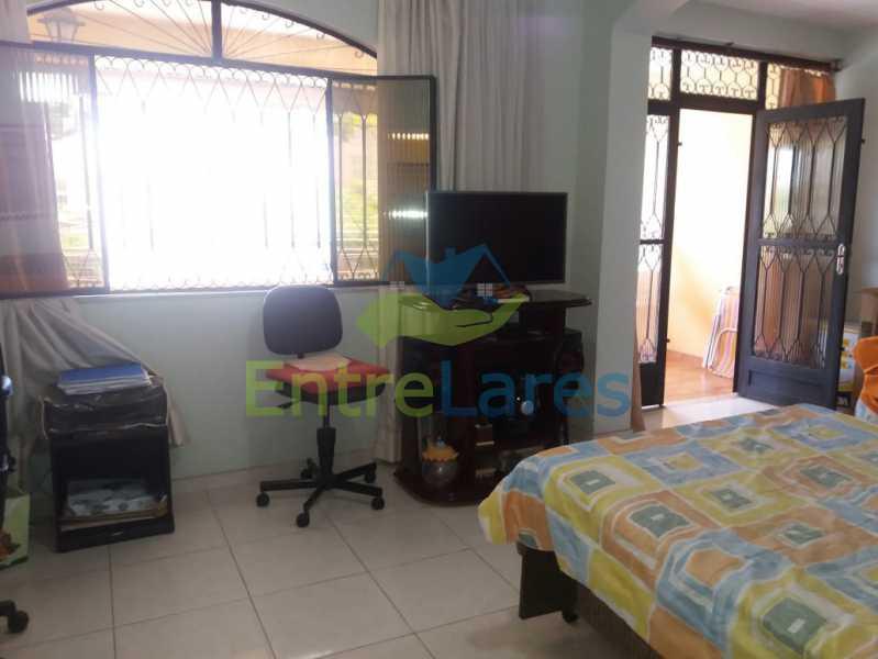 28 - Casa Duplex na Portuguesa 3 quartos sendo 1 suíte, varanda, cozinha planejada, piscina, cisterna, 4 vagas de garagem. - ILCA30107 - 12