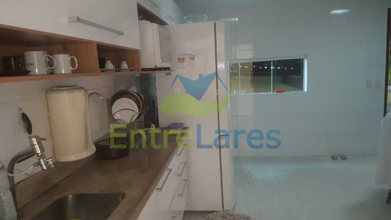 11. - Casa com possibilidade para 2 famílias. Jardim Carioca, 4 quartos sendo 1 suíte, cozinha planejada, box blindex, 2 vagas. Rua Orcadas - ILCA40075 - 11