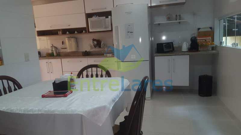 12. - Casa com possibilidade para 2 famílias. Jardim Carioca, 4 quartos sendo 1 suíte, cozinha planejada, box blindex, 2 vagas. Rua Orcadas - ILCA40075 - 12