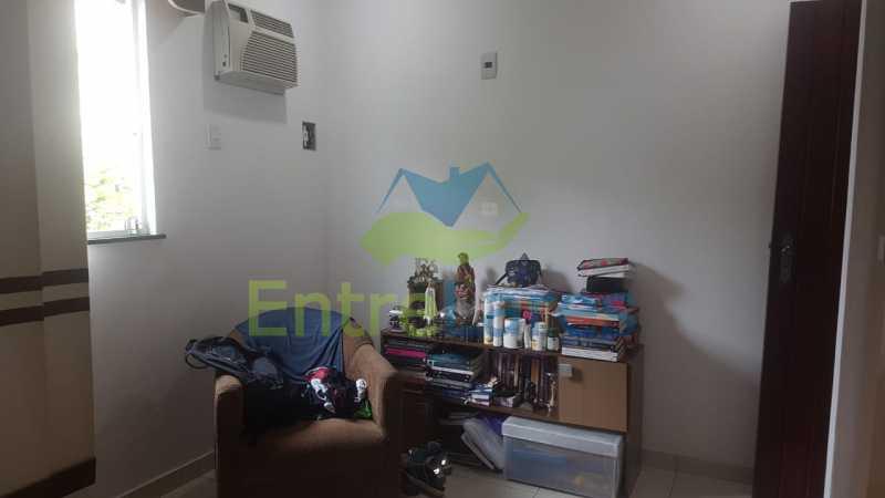23. - Casa com possibilidade para 2 famílias. Jardim Carioca, 4 quartos sendo 1 suíte, cozinha planejada, box blindex, 2 vagas. Rua Orcadas - ILCA40075 - 22