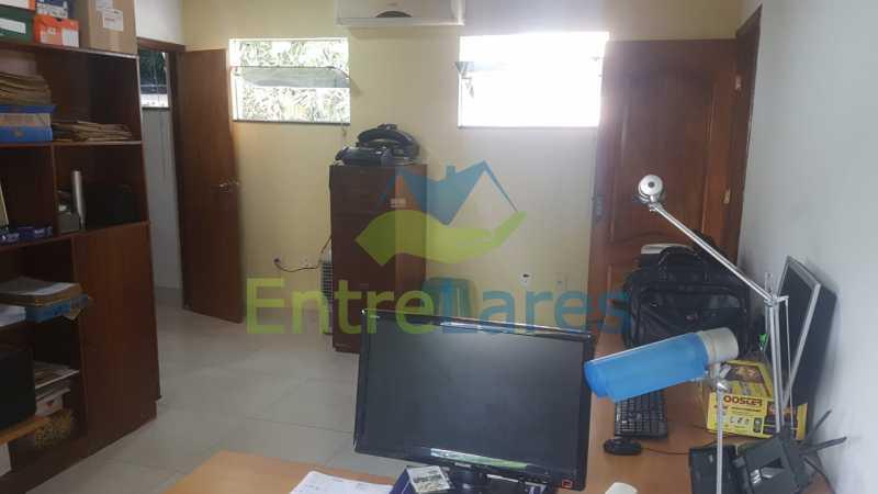 29. - Casa com possibilidade para 2 famílias. Jardim Carioca, 4 quartos sendo 1 suíte, cozinha planejada, box blindex, 2 vagas. Rua Orcadas - ILCA40075 - 28