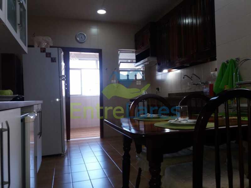 53 - Apartamento na Pitangueiras 3 quartos planejados sendo 1 suíte com acesso a varanda, cozinha planejada, varanda, lavabo, dependência, 2 vagas de garagem. Rua Engenheiro Maia Filho - ILAP30249 - 20