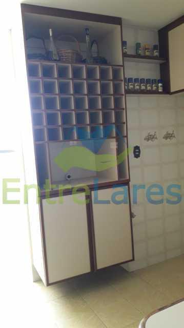 F2 - Apartamento no Tauá 3 quartos sendo 1 suíte planejada, varandão, cozinha planejada, dependência completa, 2 vagas de garagem cobertas. Rua Jaime Perdigão - ILAP30251 - 25