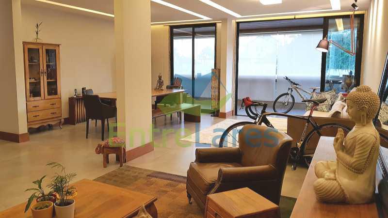 A3 - Cobertura duplex no Jardim Guanabara 4 quartos sendo 2 suítes planejadas 1 delas master com closet, varandão, cozinha planejada, sala de tv, sala de jogos, área gourmet, piscina com deck, 3 vagas. Rua Babaçu - ILCO40006 - 4