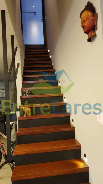 A7 - Cobertura duplex no Jardim Guanabara 4 quartos sendo 2 suítes planejadas 1 delas master com closet, varandão, cozinha planejada, sala de tv, sala de jogos, área gourmet, piscina com deck, 3 vagas. Rua Babaçu - ILCO40006 - 8