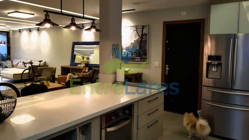 B2 - Cobertura duplex no Jardim Guanabara 4 quartos sendo 2 suítes planejadas 1 delas master com closet, varandão, cozinha planejada, sala de tv, sala de jogos, área gourmet, piscina com deck, 3 vagas. Rua Babaçu - ILCO40006 - 10