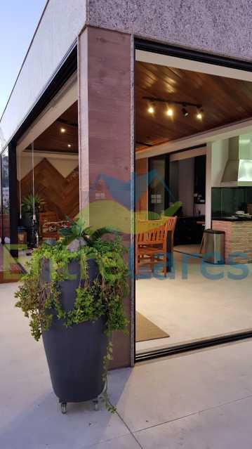 F4 - Cobertura duplex no Jardim Guanabara 4 quartos sendo 2 suítes planejadas 1 delas master com closet, varandão, cozinha planejada, sala de tv, sala de jogos, área gourmet, piscina com deck, 3 vagas. Rua Babaçu - ILCO40006 - 27