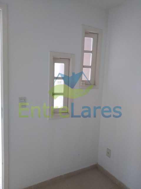 E3 - Casa em condomínio fechado na Praia da Bandeira 4 quartos sendo 1 suíte e 3 com acesso a varanda, lavabos, área de serviço com banheiro, cozinha, 2 vagas. Rua Ambaitinga - ILCN40004 - 14