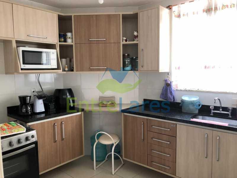 F1 - Casa em condomínio fechado na Praia da Bandeira 4 quartos sendo 1 suíte e 3 com acesso a varanda, lavabos, área de serviço com banheiro, cozinha, 2 vagas. Rua Ambaitinga - ILCN40004 - 16