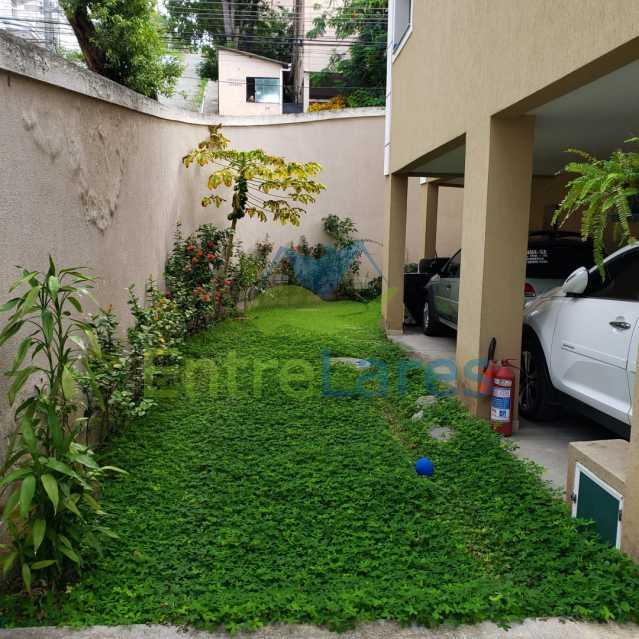 G2 - Casa em condomínio fechado na Praia da Bandeira 4 quartos sendo 1 suíte e 3 com acesso a varanda, lavabos, área de serviço com banheiro, cozinha, 2 vagas. Rua Ambaitinga - ILCN40004 - 19