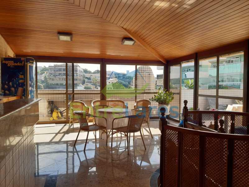 E4 - Cobertura no Jardim Guanabara 2 quartos planejados sendo 1 suíte, copa cozinha planejada área gourmet com churrasqueira, piscina. Rua Porto Seguro - ILCO20005 - 23