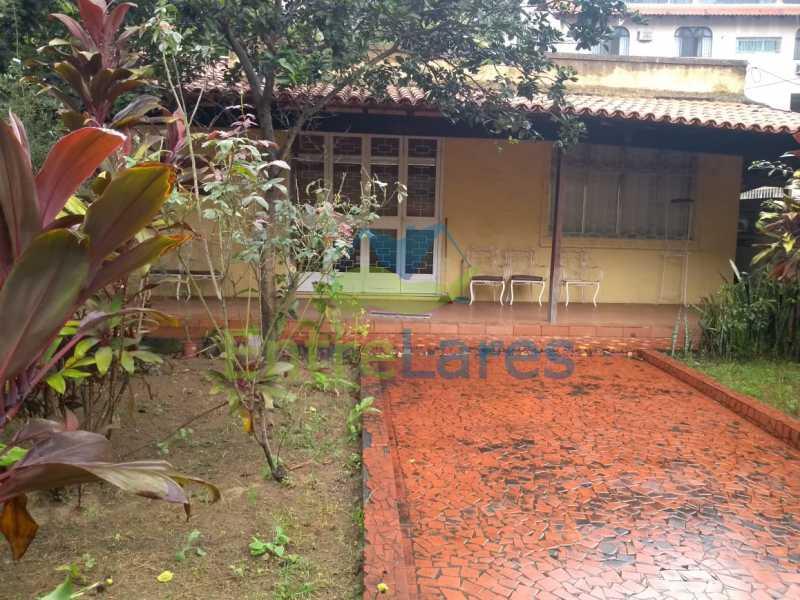 A1 - Casa no Cocotá com 4 quartos sendo 1 suíte quintal, cozinha reformada com armários planejados, 4 vagas de garagem. Rua Marquês de Muritiba - ILCA40089 - 1
