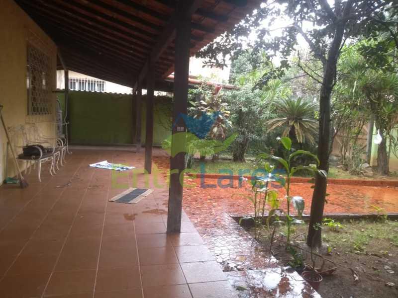 A2 - Casa no Cocotá com 4 quartos sendo 1 suíte quintal, cozinha reformada com armários planejados, 4 vagas de garagem. Rua Marquês de Muritiba - ILCA40089 - 3