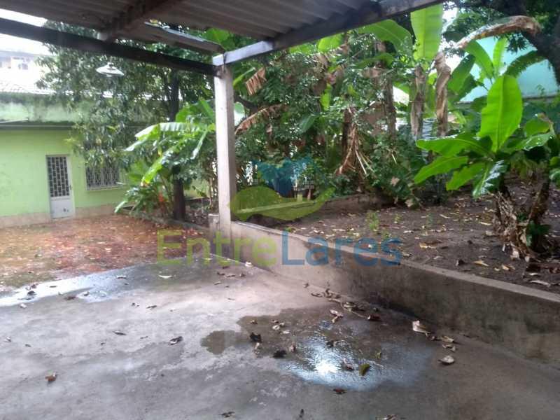 A3 - Casa no Cocotá com 4 quartos sendo 1 suíte quintal, cozinha reformada com armários planejados, 4 vagas de garagem. Rua Marquês de Muritiba - ILCA40089 - 4