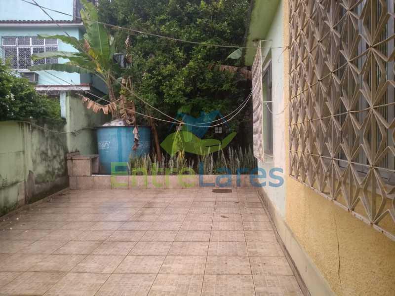 A5 - Casa no Cocotá com 4 quartos sendo 1 suíte quintal, cozinha reformada com armários planejados, 4 vagas de garagem. Rua Marquês de Muritiba - ILCA40089 - 6
