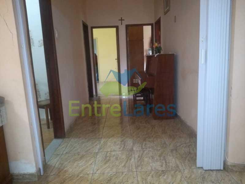 B3 - Casa no Cocotá com 4 quartos sendo 1 suíte quintal, cozinha reformada com armários planejados, 4 vagas de garagem. Rua Marquês de Muritiba - ILCA40089 - 9