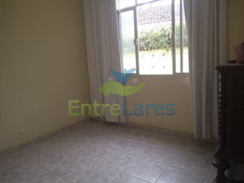 D4 - Casa no Cocotá com 4 quartos sendo 1 suíte quintal, cozinha reformada com armários planejados, 4 vagas de garagem. Rua Marquês de Muritiba - ILCA40089 - 16