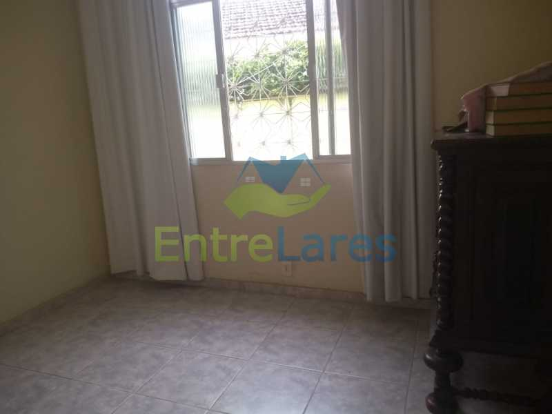 D5 - Casa no Cocotá com 4 quartos sendo 1 suíte quintal, cozinha reformada com armários planejados, 4 vagas de garagem. Rua Marquês de Muritiba - ILCA40089 - 17