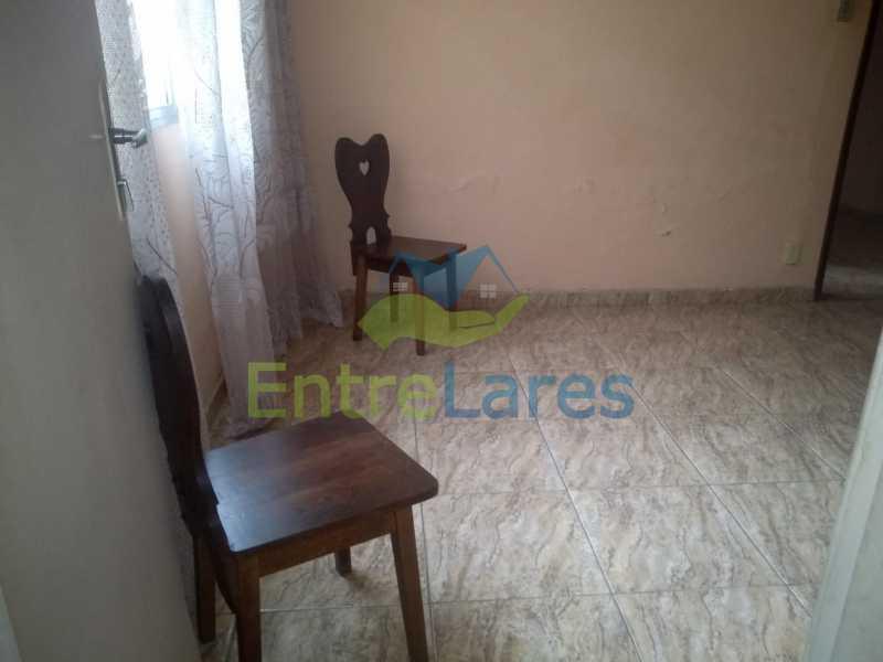 F4 - Casa no Cocotá com 4 quartos sendo 1 suíte quintal, cozinha reformada com armários planejados, 4 vagas de garagem. Rua Marquês de Muritiba - ILCA40089 - 23
