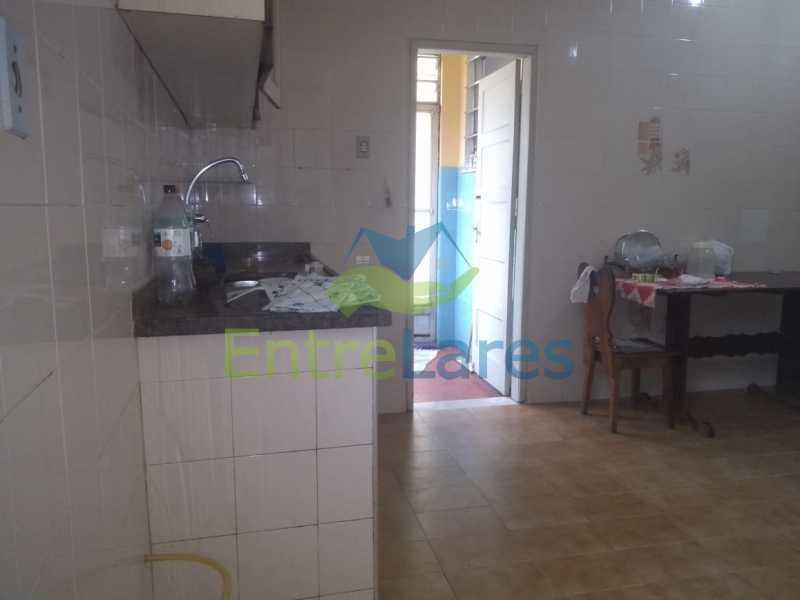 H3 - Casa no Cocotá com 4 quartos sendo 1 suíte quintal, cozinha reformada com armários planejados, 4 vagas de garagem. Rua Marquês de Muritiba - ILCA40089 - 27