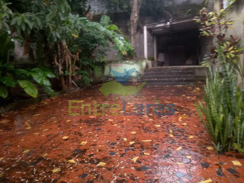 J1 - Casa no Cocotá com 4 quartos sendo 1 suíte quintal, cozinha reformada com armários planejados, 4 vagas de garagem. Rua Marquês de Muritiba - ILCA40089 - 29