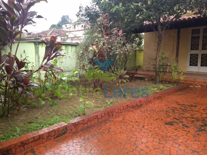 J2 - Casa no Cocotá com 4 quartos sendo 1 suíte quintal, cozinha reformada com armários planejados, 4 vagas de garagem. Rua Marquês de Muritiba - ILCA40089 - 30