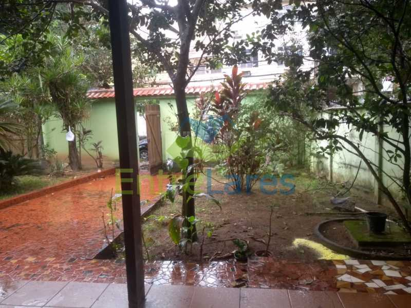 J3 - Casa no Cocotá com 4 quartos sendo 1 suíte quintal, cozinha reformada com armários planejados, 4 vagas de garagem. Rua Marquês de Muritiba - ILCA40089 - 31