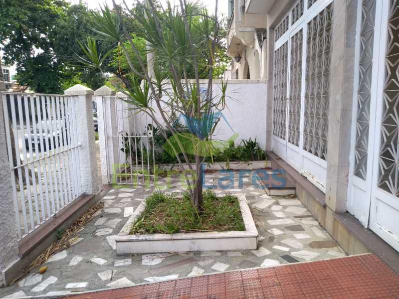a2 - Casa em Olaria 3 quartos sendo 2 suítes, cozinha com armários, terraço, 6 vagas de garagem. Rua Doutor Nunes - ILCA30124 - 3