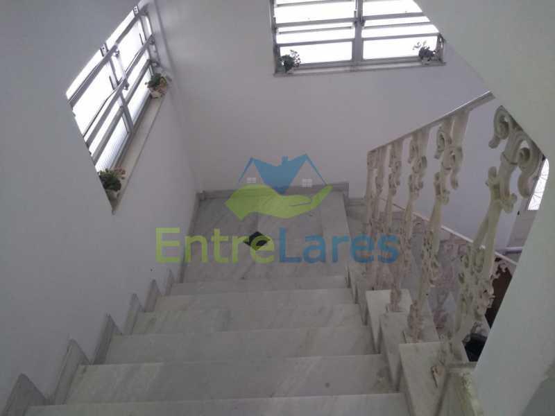 A7 - Casa em Olaria 3 quartos sendo 2 suítes, cozinha com armários, terraço, 6 vagas de garagem. Rua Doutor Nunes - ILCA30124 - 8