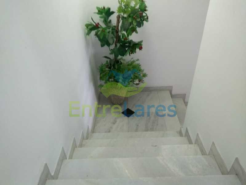 A8 - Casa em Olaria 3 quartos sendo 2 suítes, cozinha com armários, terraço, 6 vagas de garagem. Rua Doutor Nunes - ILCA30124 - 9