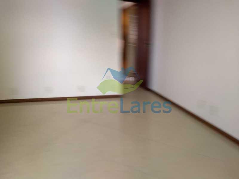 c4 - Casa em Olaria 3 quartos sendo 2 suítes, cozinha com armários, terraço, 6 vagas de garagem. Rua Doutor Nunes - ILCA30124 - 16