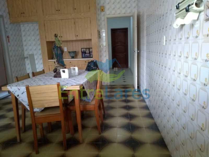F3 - Casa em Olaria 3 quartos sendo 2 suítes, cozinha com armários, terraço, 6 vagas de garagem. Rua Doutor Nunes - ILCA30124 - 22