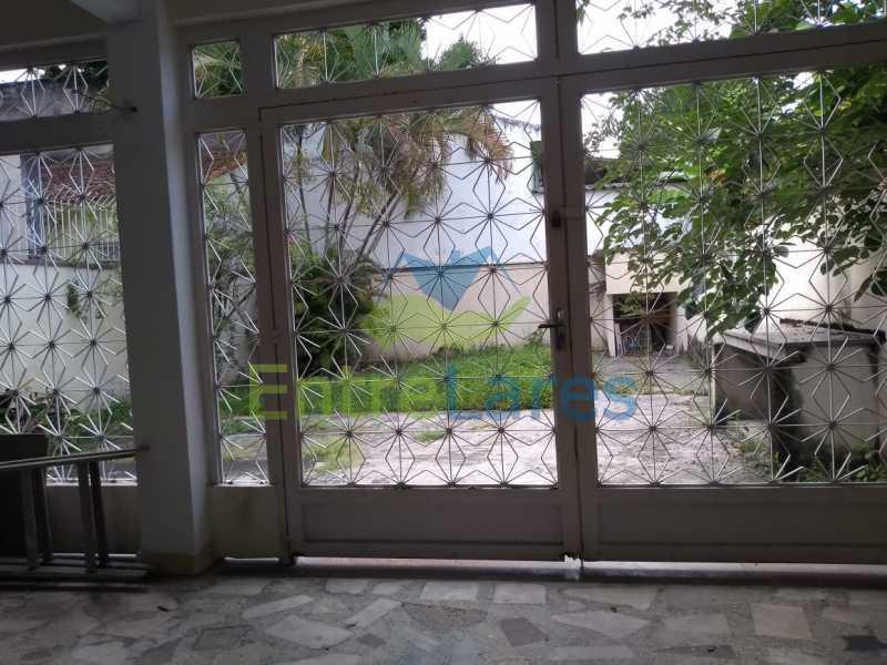 H4 - Casa em Olaria 3 quartos sendo 2 suítes, cozinha com armários, terraço, 6 vagas de garagem. Rua Doutor Nunes - ILCA30124 - 29