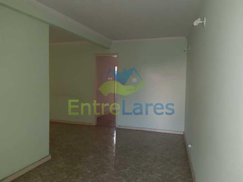 25 - Portuguesa 3 quartos todos suítes, closet, churrasqueira, forno lenha vaga 3 carros - ILCA30125 - 10