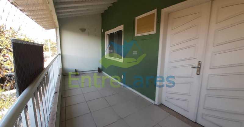 28 - Portuguesa 3 quartos todos suítes, closet, churrasqueira, forno lenha vaga 3 carros - ILCA30125 - 12