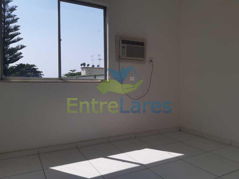 B1 - Apartamento na Portuguesa 1 quarto, banheiro reformado com blindex, 1 vaga de garagem. Avenida Carlos Meziano - ILAP10055 - 4
