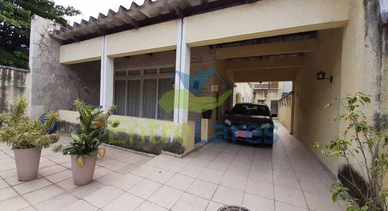 H3 - Casa no Tauá 3 quartos sendo 2 suítes, varandão, terraço, área gourmet churrasqueira, 4 vagas. Rua Eutíquio Soledade - ILCA30127 - 30