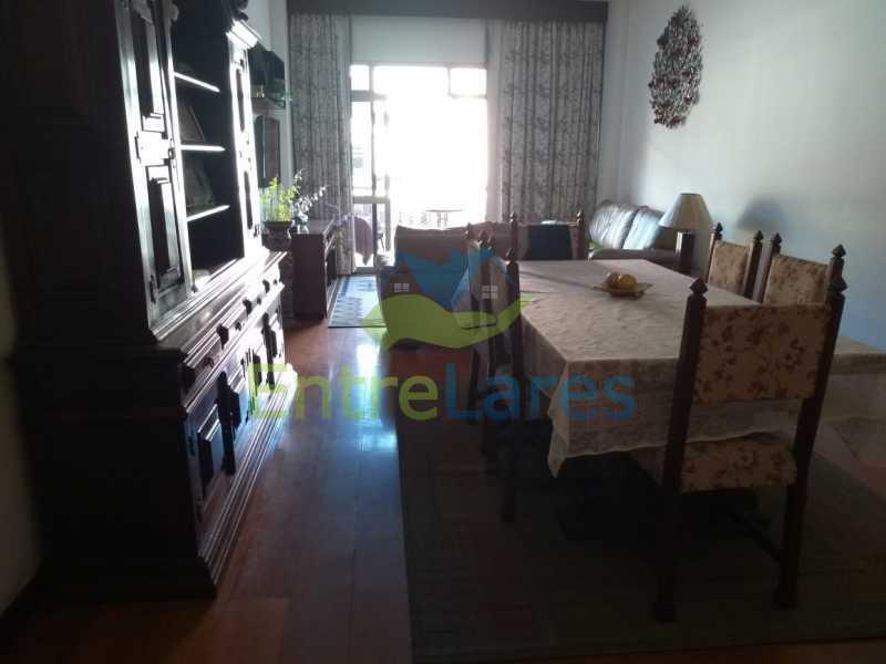 A4 - Apartamento no Jardim Guanabara - 3 quartos sendo 1 suíte e dois possuindo armários embutidos - 2 banheiros com box blindex - cozinha com armários - 3 vagas - Rua Cambaúba - ILAP30308 - 5